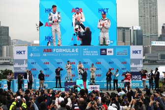 Race winner Sam Bird, Envision Virgin Racing receives his champagne on the podium