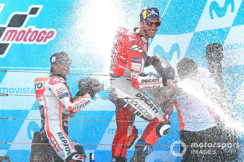 Переможець гонки Марк Маркес, Repsol Honda Team, друге місце Андреа Довіціозо, Ducati Team
