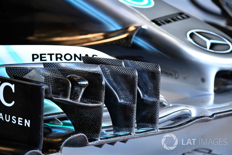Detail sayap depan Mercedes AMG F1 W09