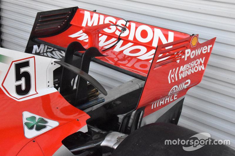 Антикрило у варіанті з високою притискною силою, яке Ferrari використовуватиме в Мексиці. Але відзначимо, що на ньому немає вигнутих вертикальних стабілізаторів, що були присутні в останніх гонках.