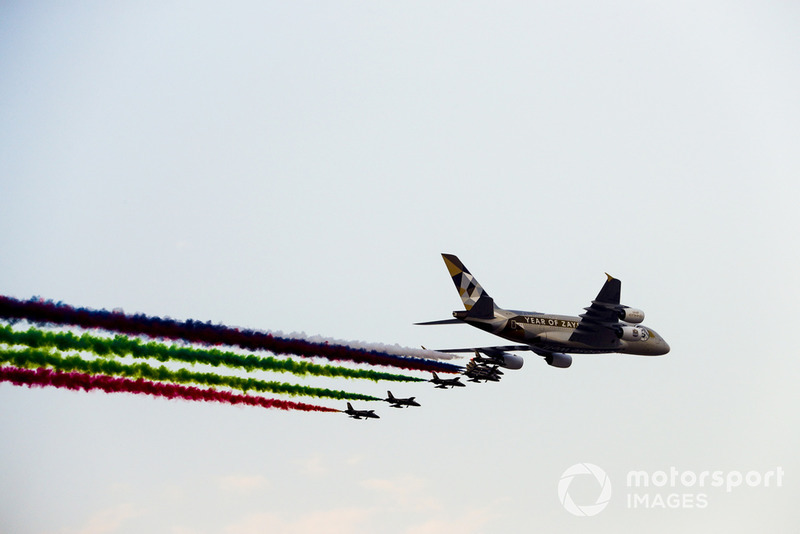Etihad Airways Airbus A380, Aermacchi MB339A