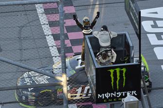 Aric Almirola, Stewart-Haas Racing, Ford Fusion Smithfield Bacon for Life celebrates his win