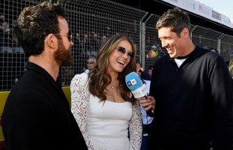 Vernon Kay interviewe les acteurs Elizabeth Hurley, Justin Theroux