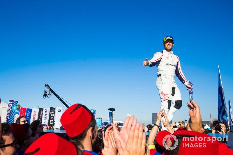 Le deuxième, Robin Frijns, Envision Virgin Racing, sur le podium