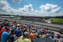 Zuschaueratmosphäre; Edoardo Mortara, Audi Sport Team Abt Sportsline, Audi RS 5 DTM; Jamie Green, Au