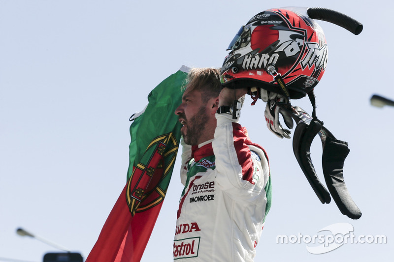 Yarış galibi Tiago Monteiro, Honda Racing Team JAS, Honda Civic WTCC