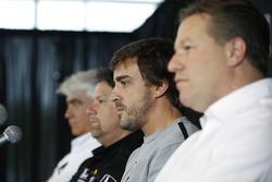 Марк Майлз, Майкл Андретти, Andretti Autosport, Фернандо Алонсо и Зак Браун