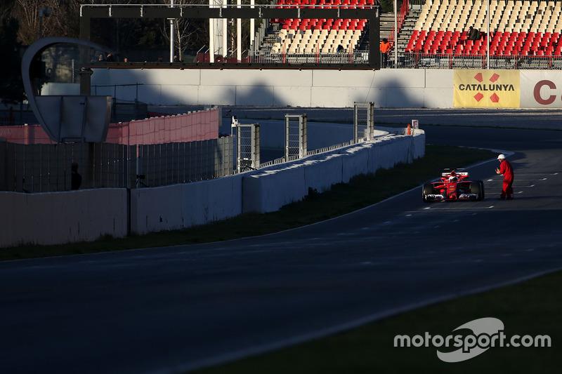 Sebastian Vettel, Ferrari SF70H stops on track