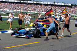 Michael Schumacher, Benetton Renault B195 won the race but returned to the pits on a tow rope