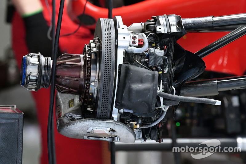 Ferrari SF70H, freno anteriore