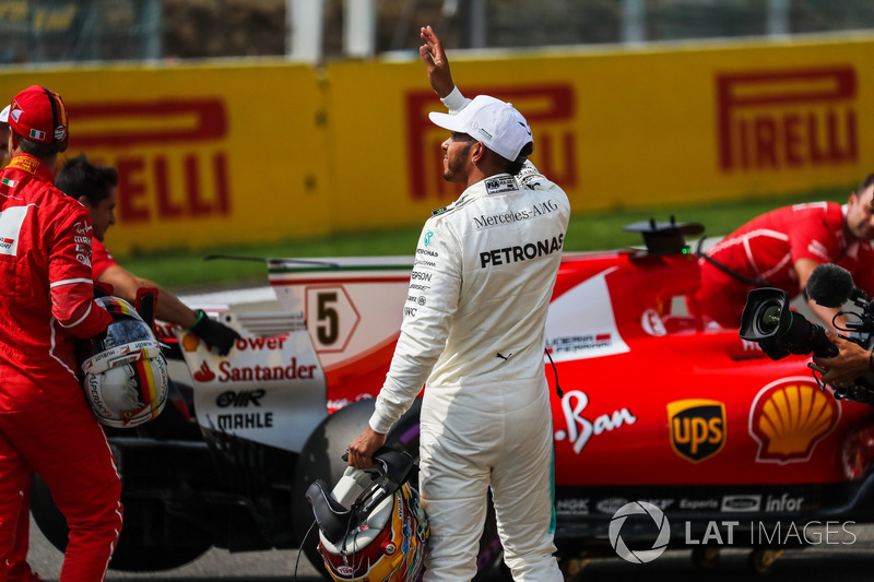 Polesitter Lewis Hamilton, Mercedes AMG F1 in parc ferme