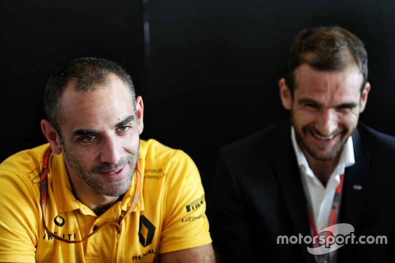 Tommaso Volpe, director global de INFINITI Motorsport y Cyril Abiteboul, director ejecutivo de Renault Sport F1