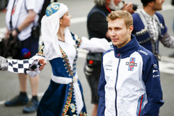 Sergey Sirotkin, Williams Racing, en el desfile de pilotos