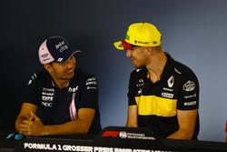 Sergio Perez, Force India, en Nico Hulkenberg, Renault Sport F1 Team