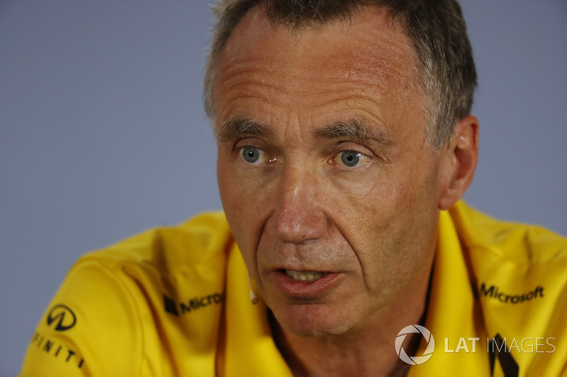 Bob Bell, Chief Technical Officer, Renault Sport F1, nella conferenza stampa