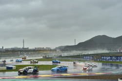 Race action in the rain