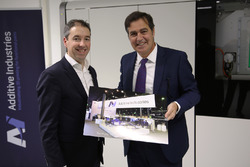 Daan Kersten, CEO von Additive Industries, und Pascal Picci, CEO of Sauber Holding AG
