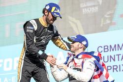 Sam Bird, DS Virgin Racing, félicite Jean-Eric Vergne, Techeetah, sur le podium
