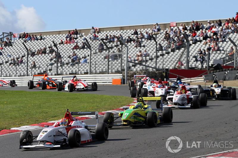 Arjun Maini, Lanan Racing