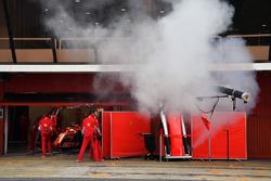 Fumo dal garage Ferrari