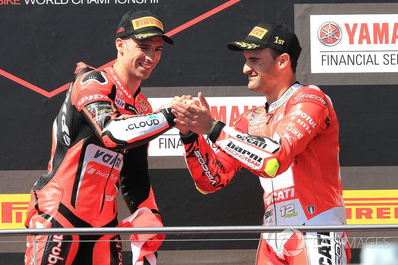 Podium: ganador, Marco Melandri, Aruba.it Racing-Ducati SBK Team, tercero, Xavi Fores, Barni Racing Team
