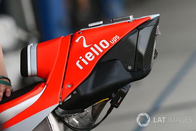Detalle de la parte trasera de la moto Ducati