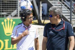 Hiroshi Imai, Chief Race Engineer, McLaren, con Masashi Yamamoto, General Manager, Honda Motorsport