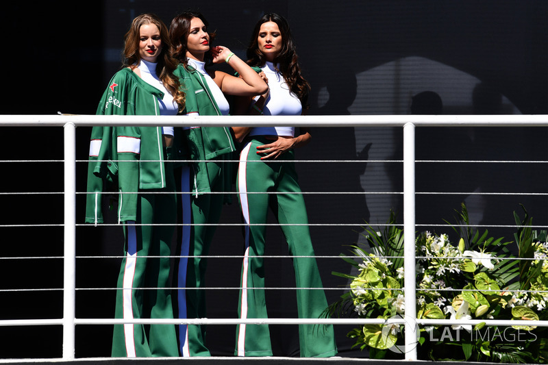 Grid girls on the podium