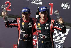 Los ganadores del Rally de Australia 2017 Thierry Neuville, Nicolas Gilsoul, Hyundai i20 Coupe WRC, Hyundai Motorsport