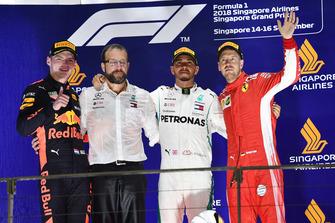 Max Verstappen, Red Bull Racing, Lewis Hamilton, Mercedes AMG F1 and Sebastian Vettel, Ferrari celebrate on the podium