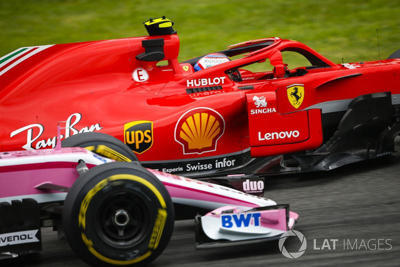 Kimi Raikkonen, Ferrari SF71H, Sergio Perez, Racing Point Force India VJM11