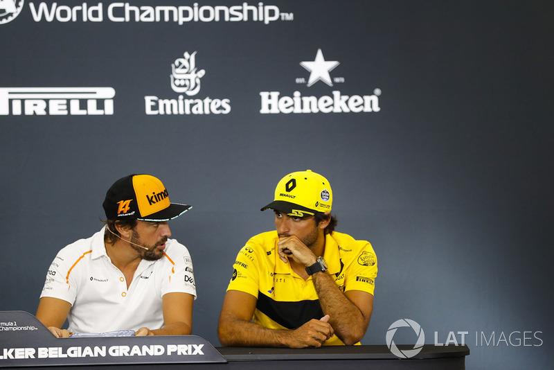 Fernando Alonso, McLaren, et Carlos Sainz Jr., Renault Sport F1 Team, en conférence de presse