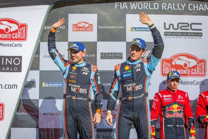 Podio: segundo, Thierry Neuville, Nicolas Gilsoul, Hyundai Motorsport Hyundai i20 Coupe WRC
