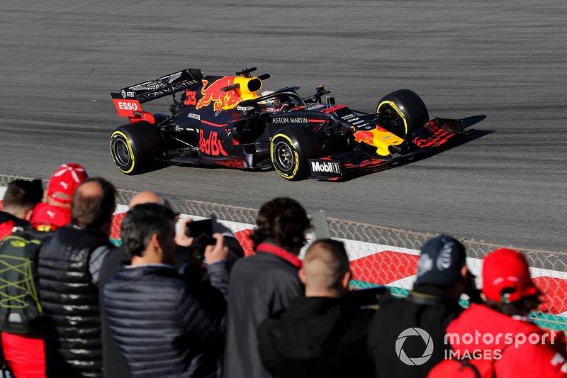 Max Verstappen, Red Bull Racing RB15, con dei tifosi