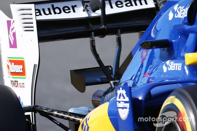 Sauber C35 rear wing detail