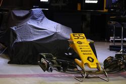 Renault Sport F1 Team RS17 burun ve ön kanat