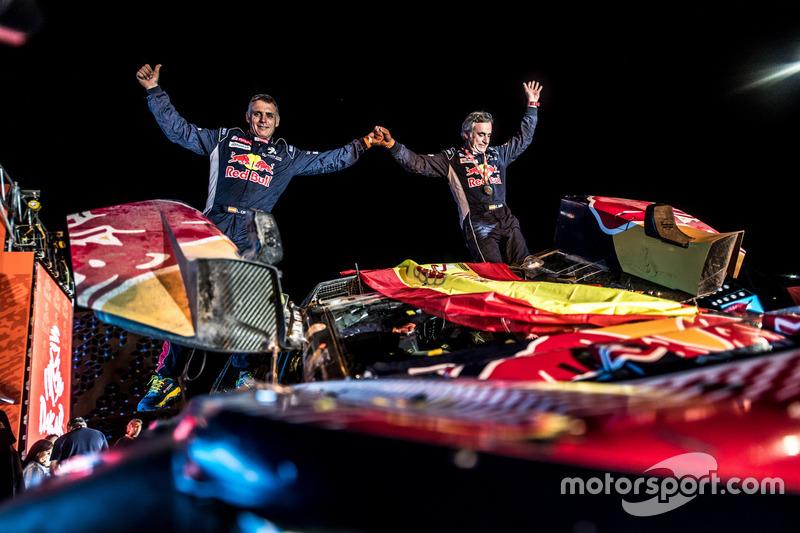 Переможці #303 Peugeot Sport Peugeot 3008 DKR: Карлос Сайнс, Лукас Крус
