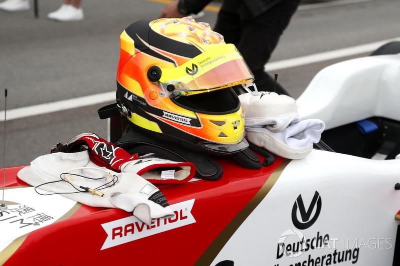 Kask, Mick Schumacher, SJM Theodore Racing by Prema, Dallara Mercedes