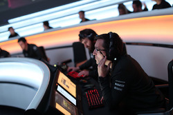 McLaren takım elemanı