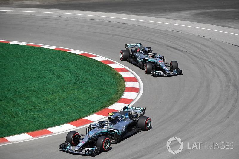 Valtteri Bottas, Mercedes-AMG F1 W09 y Lewis Hamilton, Mercedes-AMG F1 W09