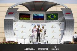 Podium: segundo, Maximilian Gunther, BWT Arden, ganador, Artem Markelov, RUSSIAN TIME, tercero, Sergio Sette Camara, Carlin