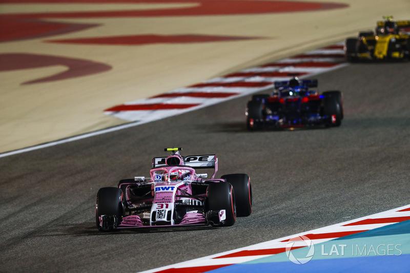 Esteban Ocon, Force India VJM11 Mercedes, Pierre Gasly, Toro Rosso STR13 Honda, and Carlos Sainz Jr.