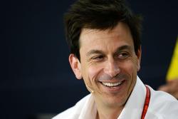 Toto Wolff, Mercedes GP Executive Director, tijdens de persconferentie