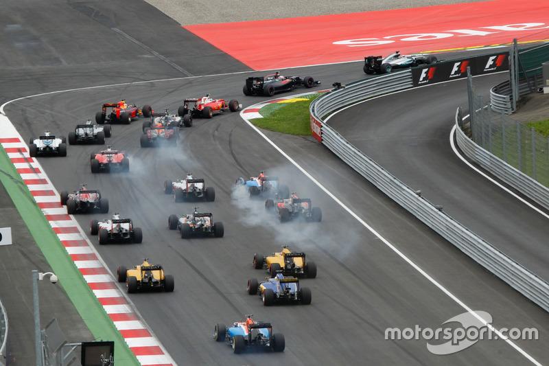 Lewis Hamilton, Mercedes AMG F1 W07 Hybrid al comando alla partenza della gara