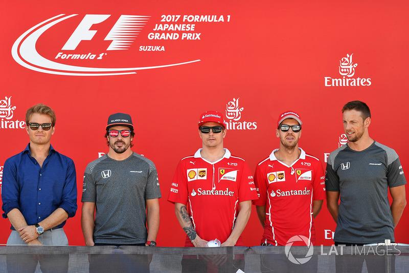 Nico Rosberg, Mercedes-Benz Ambassador, Fernando Alonso, McLaren, Kimi Raikkonen, Ferrari, Sebastian Vettel, Ferrari y Jenson Button, McLaren en el podio con el #FuerzaMex1co