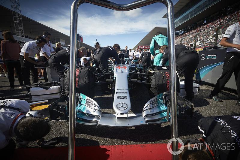 10: Mercede AMG F1