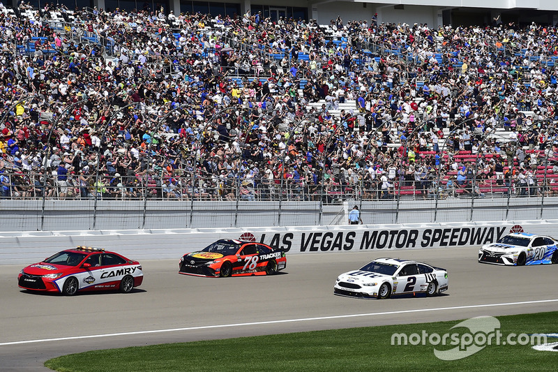 Brad keselowski team penske ford martin truex jr for Las vegas motor speedway open track days