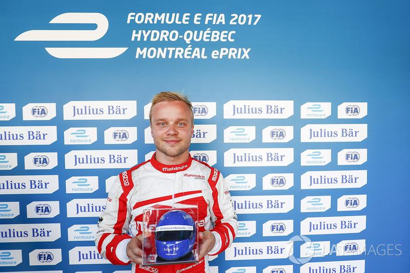 Celebra Félix Rosenqvist, Mahindra Racing, después con el Premio de Julisy Bar