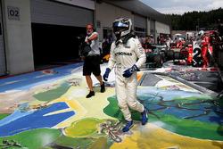 Валттері Боттас, Mercedes AMG F1, святкує перемогу у закритому парку