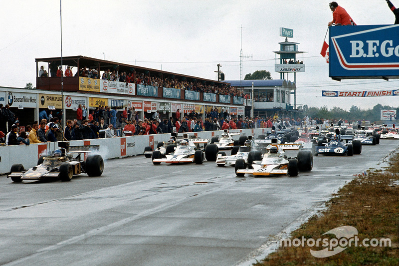 Peter Revson, McLaren, M23; und Ronnie Peterson, Lotus 72D